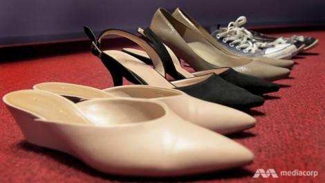'Tự sướng' với giày phụ nữ, một người đàn ông Singapore bị phạt nặng