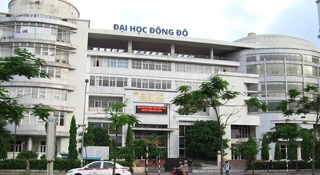 Hai hieu pho Dai hoc Dong Do bi bat