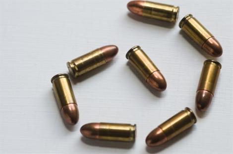Trúng 16 phát đạn vẫn có thể tự đi bộ hơn 3km đến bệnh viện