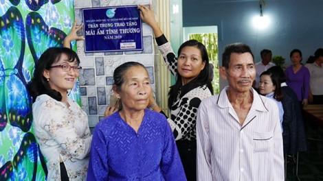Trao tặng mái ấm cho phụ nữ nghèo tỉnh Đồng Tháp