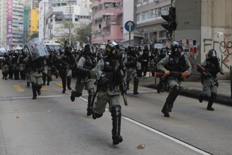 Cảnh sát Hồng Kông tìm thêm đồng đội hưu trí để gia tăng lực lượng