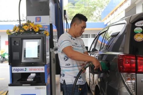 Giá xăng dầu bán lẻ bán lẻ bất ngờ giảm 200-300 đồng/lít từ 15g ngày 31/10
