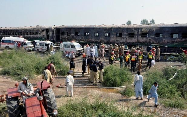 Hoa hoan tren doan tau tai Pakistan khien 70 nguoi thiet mang