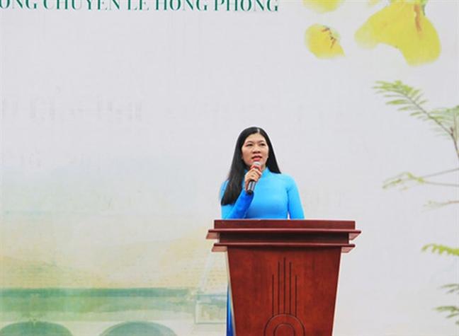 Truong THPT chuyen Le Hong Phong co hieu truong moi
