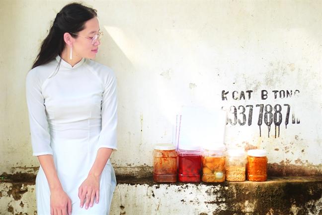 Nghe si Nguyen Le Phuong Linh: Rong ruoi de  tim nguon coi  va tieng noi dan toc