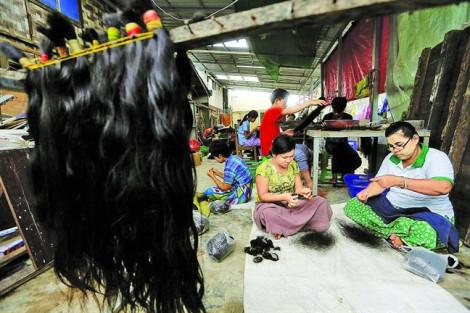 Phụ nữ Đông Nam Á giữa vòng xoáy kinh doanh tóc người