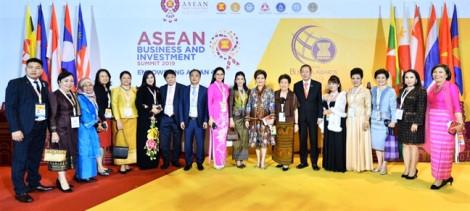 Vietjet khai trương 2 đường bay mới trong khuôn khổ Hội nghị cấp cao ASEAN