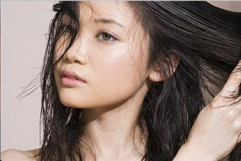 Bỏ túi các công thức xử lý tóc bết dính