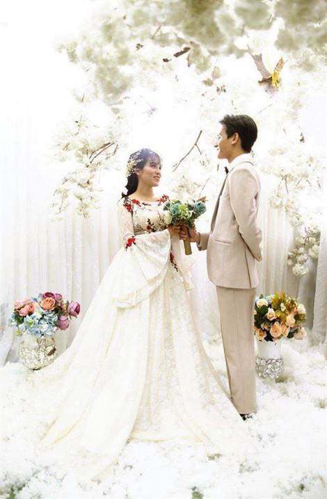 Từ 'cô - con' chuyển sang 'tôi - người', cặp đôi lệch 10 tuổi quyết cưới nhau