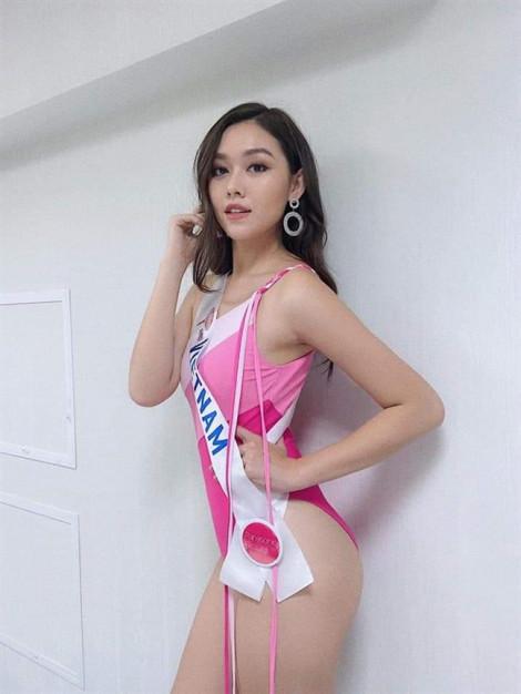 Á hậu Tường San quyến rũ trong phần trình diễn áo tắm tại Hoa hậu Quốc tế 2019