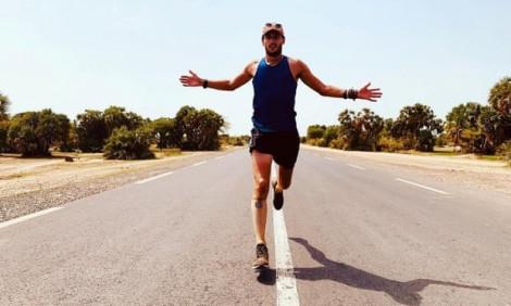 Dành 22 tháng chạy marathon ở 196 quốc gia vì mục đích từ thiện