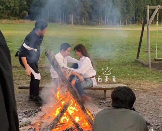 Lam Chi Linh bi phan doi khi to chuc tiec cuoi o bao tang