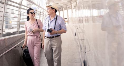 Vợ nghiện du lịch, chồng khốn khổ