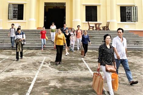 Trường 'đưa' sinh viên ra tòa đòi học bổng và lãi suất: Chưa có hồi kết