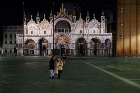 Venice ban hành báo động thiên tai khẩn cấp khi thành phố chìm trong nước biển