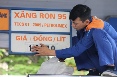 Giá xăng tăng nhẹ trở lại từ 15 giờ ngày 15/11