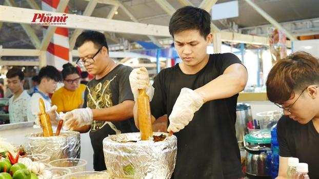 Mon ngon cac nuoc hoi tu o Nha van hoa Thanh Nien TP.HCM