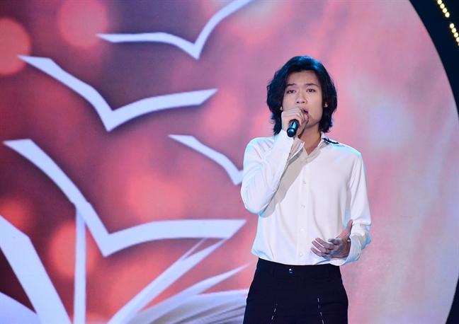 NSUT Huu Chau duoc tri an nhan Ngay Nha giao Viet Nam