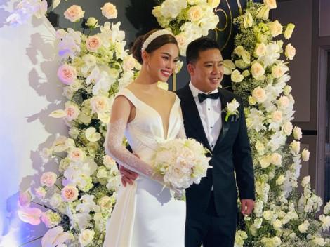 Cô dâu Giang Hồng Ngọc, Bảo Thy rạng rỡ trong ngày cưới
