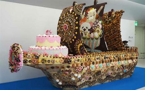 Con tàu bánh kẹo như bước ra từ bộ truyện One Piece