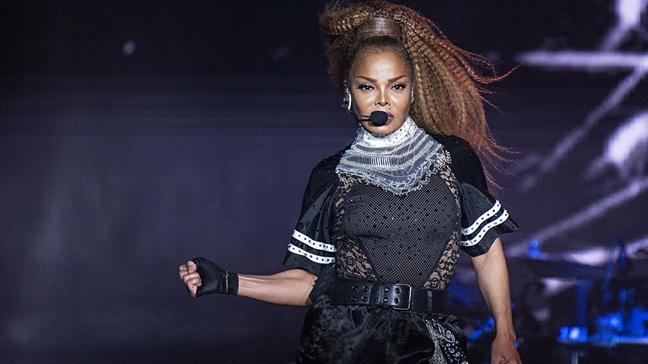 Nghi Janet Jackson hat nhep, khan gia phan no bo ve