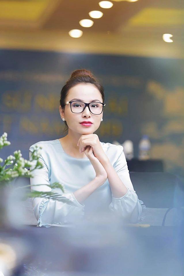 Hoa hau Diem Huong tung chon 'giu con chu khong giu me' khi gap tai bien thai ky