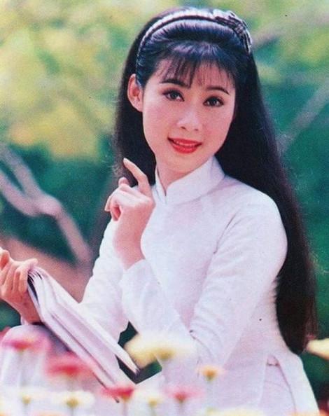 Quyền Linh từng xin đóng vai quần chúng không cát-sê để được gặp Diễm Hương