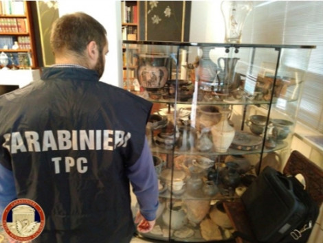 Ý phá đường dây tội phạm, thu hồi 10.000 cổ vật