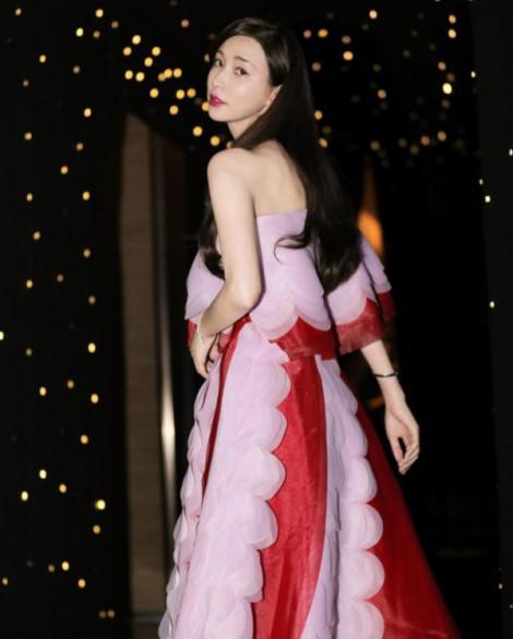 'Nữ thần' 45 tuổi Lâm Chí Linh trải lòng lý do kết hôn chồng trẻ