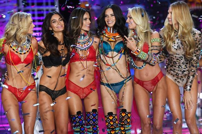 Victoria's Secret khong to chuc show 2019 sau nhieu mua rating tuot doc, thua lo