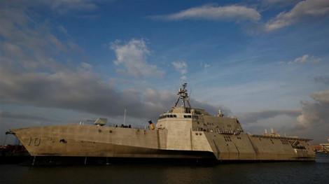 Mỹ cho tàu chiến đi gần bãi đá Vành Khăn - Trường Sa và quần đảo Hoàng Sa