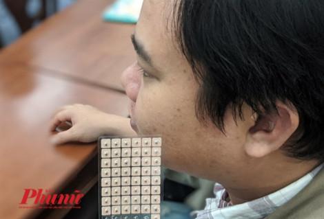 Bệnh viện đầu tiên ở Sài Gòn giúp bỏ hút thuốc nhờ châm cứu vành tai