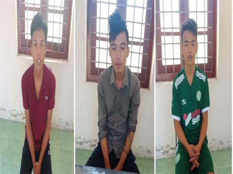 3 thanh niên thuê ô tô đi cướp iPhone để mua ma túy