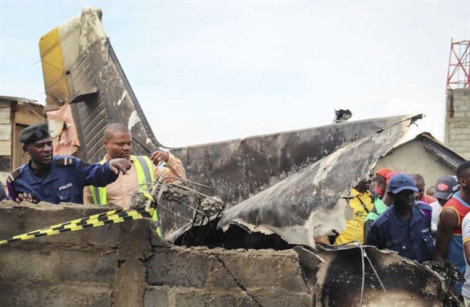 Rơi máy bay ở Congo, 18 người chết