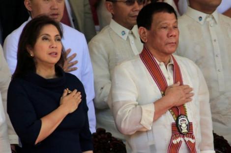 Ông Duterte cách chức kiêm nhiệm chống ma túy của phó tổng thống