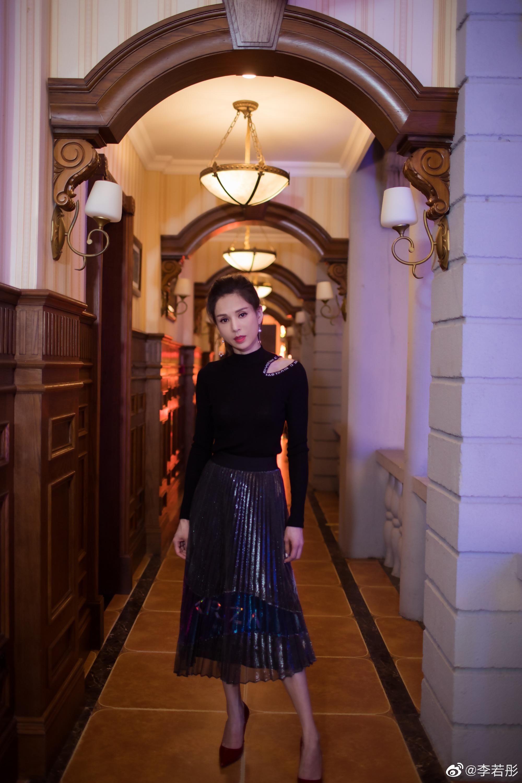 'Tieu Long Nu' Ly Nhuoc Dong: Sau nhung thang tram mat mat cang ruc ro o tuoi 52