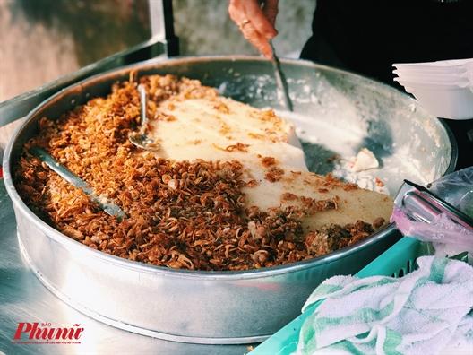An phai canh gio voi hang banh bot, banh khoai mon 3 tieng la het sach