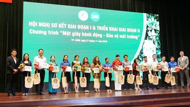 Thu gom va tao vong doi moi cho chat thai ran