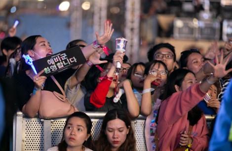 Đặt nghệ sĩ Hàn ở 'chiếu trên', còn người Việt để đâu?