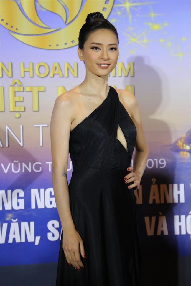 Ban giam khao LHP VN lan thu 21: 'Tran Thanh xung dang nhan giai'