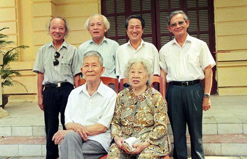 Giao su, Nha giao nhan dan Ha Van Tan qua doi