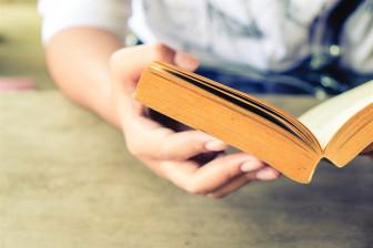 Con dành bao nhiêu thời gian để đọc sách?
