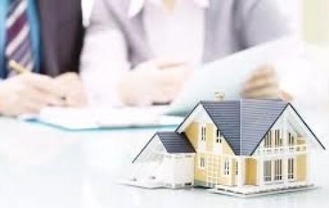 Hợp đồng mua bán nhà do UBND cấp xã chứng thực có hợp pháp?