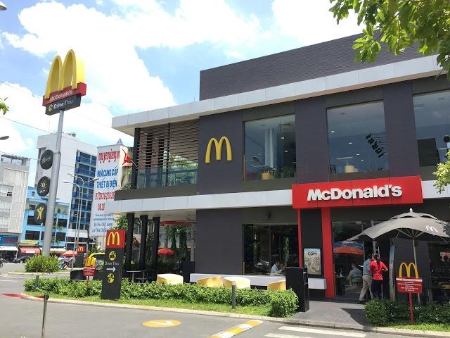 McDonald's kho canh tranh voi… hu tiu go