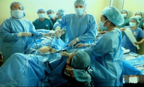 Người nước ngoài khám chữa bệnh tại Việt Nam phải thành thạo tiếng Việt?