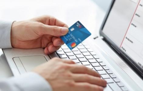 Cấm sử dụng thẻ tín dụng mua bán ngoại tệ khi ra nước ngoài