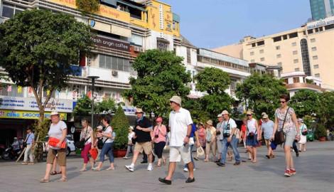 Đón 16 triệu triệu lượt khách quốc tế, du lịch Việt Nam lập kỷ lục mới