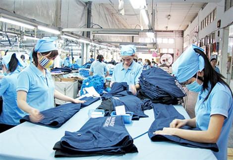 Nhập hàng Trung Quốc về bán lợi hơn sản xuất vì... thuế bất hợp lý