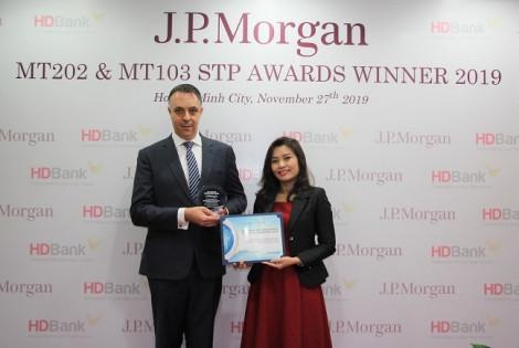 HDBank nhận cú đúp giải thưởng Thanh toán quốc tế xuất sắc toàn cầu năm 2019
