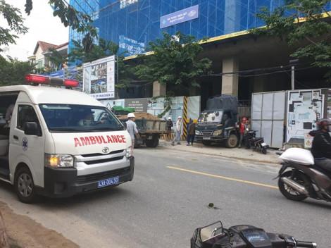 Thang máy công trình bật cửa, một công nhân rơi từ tầng 8 tử vong